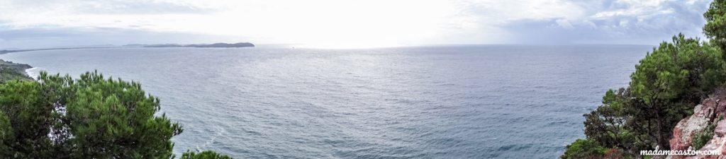 Vue panoramique sur Hyères et la mer